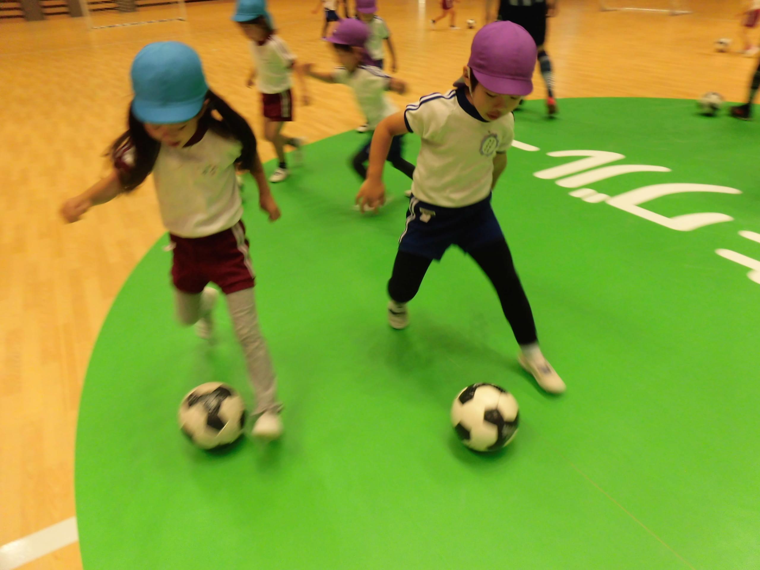 エスポラーダ北海道の選手とボールで遊んだよ!